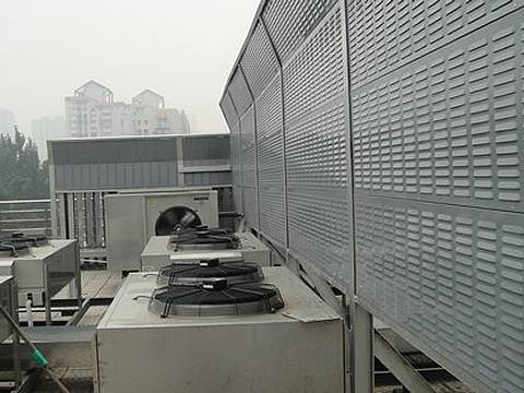 Noise barriers are installed on the rooftop.
