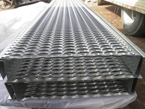 Embossed Sheets Ant Skid Stair Treads Steel Ramp Extension